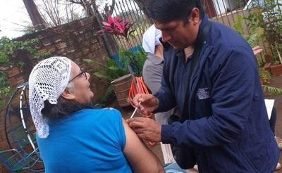 Intensifican vacunación en  Minga Guazú