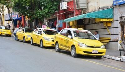 Taxistas marcharán en hora pico este martes