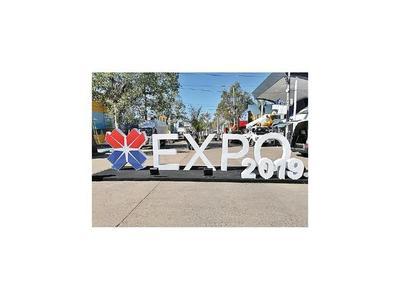 Creen que la Expo debería subsidiar sideral alquiler de stand al Conacyt