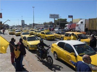 Taxistas inician movilización contra MUV y Uber en Asunción
