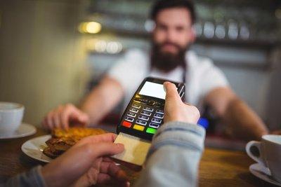 Banco Central obliga a operadoras a publicar comisiones de tarjetas