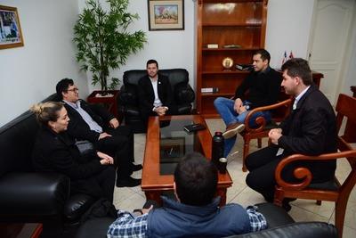 UNE donará sistema informático a la Municipalidad de CDE