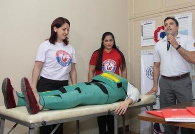Boquerón y Presidente Hayes reciben trajes para tratar hemorragia obstétrica