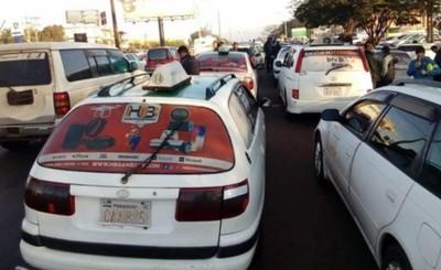 """""""Si no van a legislar a favor del taxista, vamos a paralizar el país"""""""
