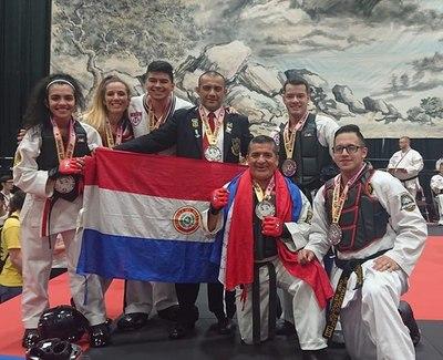 Delegación de taekwondo consiguió 22 medalles en competencia en EE.UU