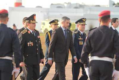 Jefe de Estado viajó a la Argentina para participar de Cumbre del Mercosur