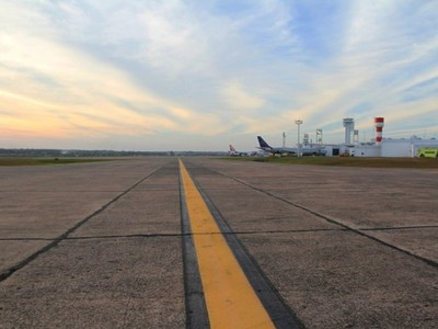 Anuncian llamado a licitación para reparación de la pista del Aeropuerto Silvio Pettirossi