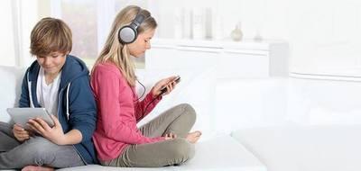 Uso excesivo de redes sociales y televisión aumenta síntomas depresivos en adolescentes, según estudio