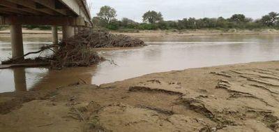 Urgen la limpieza de canal del río  Pilcomayo para evitar inundaciones