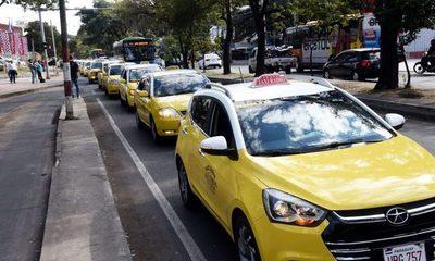 """Taxistas piden normativa """"igual para todos"""""""