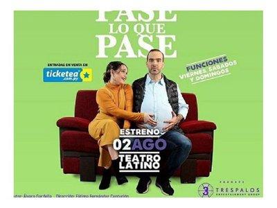 ¿Alvaro Mora embarazado en el teatro?