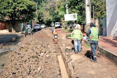 Obras de red cloacal llegan a la calle Cañada