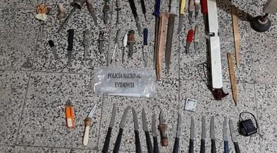 Requisan armas blancas y celulares durante cateo en cárcel de Concepción