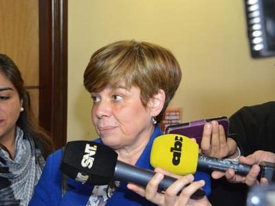 'Soy mujer, pero no por eso voy a defender a ministras corruptas, vendidas y bandidas'