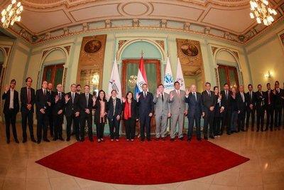 Presidente paraguayo ratifica compromiso de apoyar candidatura conjunta para Mundial 2030