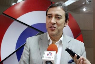 ROBAN CUADROS Y COMPUTADORA DE EMBAJADA DE PARAGUAY EN URUGUAY