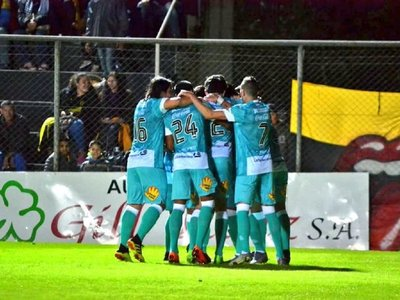 Santaní aplasta a Sud América y avanza en la Copa Paraguay
