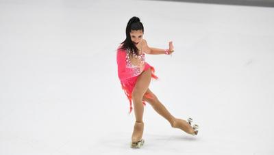 Ella es Sophía Veiluva, la primera patinadora paraguaya que obtuvo una medalla en un campeonato mundial