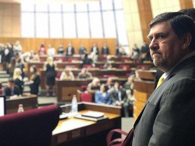 Blas Llano pide disculpas a la ciudadanía por bochorno en el Senado