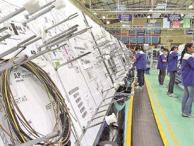 Cumbre tripartita buscará cerrar acuerdo automotor