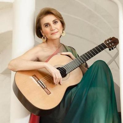 "Berta Rojas, la primera mujer en recibir la ""Guitarra de Plata"""