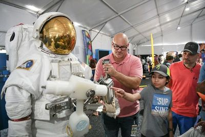 Con júbilo, EEUU celebra 50 años de la llegada a la Luna