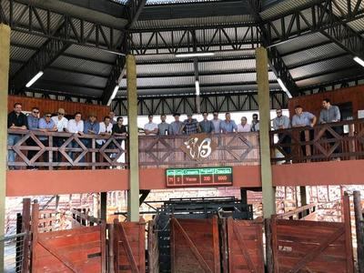 Delegación uruguaya visitó Bpecuaria y asumieron compromiso de trabajo en conjunto