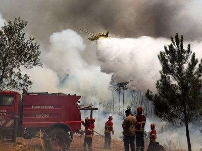 Portugal: El fuego no se extingue tras incendio de tres municipios
