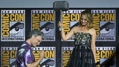 Es oficial: Natalie Portman y Salma Hayek superheroínas de Marvel