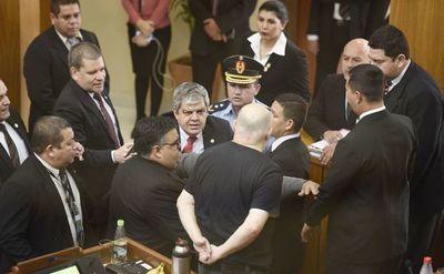 Senado decidirá mañana si sanciona a Riera y Payo
