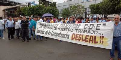 Taxistas del Este inician nueva protesta con cierre de rutas