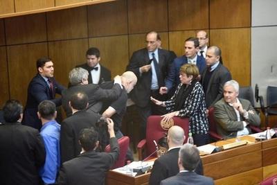 Enrique Riera se queda fuera del Senado