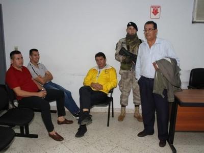 Piden imputación por resistencia y perturbación de la paz pública de siete taxistas