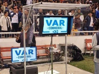 El VAR anuló el gol de Camacho