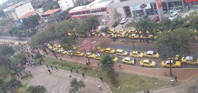 Con sus líderes detenidos, taxistas preparan otro día de caos mañana
