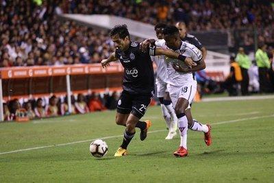 Olimpia no pudo en la altura y cayó ante Liga de Quito
