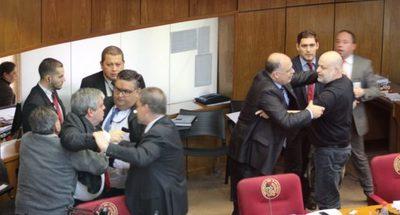 Por segunda vez, sancionan a Payo Cobas con suspensión por 60 días, junto con Riera