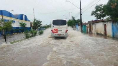 Varios muertos tras fuertes lluvias al noreste de Brasil