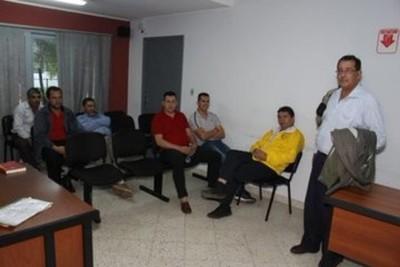 Otorgan arresto domiciliario a dirigentes taxistas