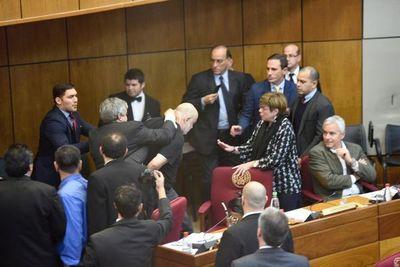 Senado: sanción de 60 días correría para Riera y Cubas