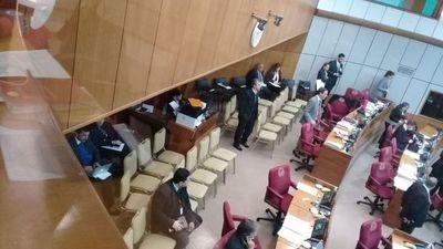 Sin quórum en el Senado: impiden juramento de legisladores suplentes