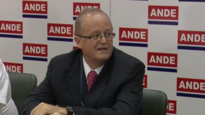 """HOY / Renuncia gerente técnico de la ANDE: """"Ferreira fue un patriota por no firmar acuerdo"""""""