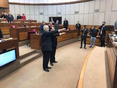"""Retamozo y """"Kencho"""" Rodríguez juraron como senadores"""