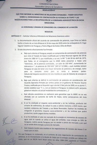 """Senadores del FG piden informe sobre acuerdo """"entreguista"""", sostienen"""