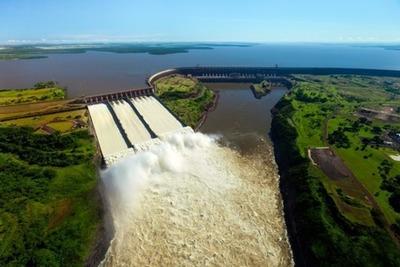 """""""Gobierno renuncia al 50% de la energía de embalse que pertenece a Paraguay"""""""