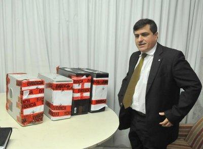 Renuncia fiscal anticorrupción René Fernández