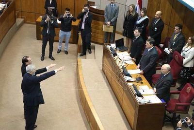 Senado tomó juramento irregular a los suplentes de Riera y Cubas