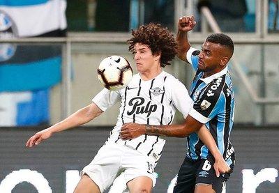 Gremio rompe la barricada Gumarela y aventaja por dos goles la serie