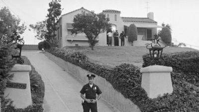 """HOY / Un """"buscador"""" de fantasmas compra la casa de la matanza de Charles Manson"""