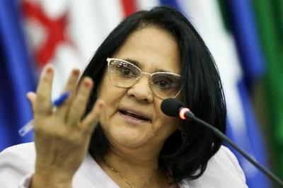 """Ministra de la Mujer de Brasil sostiene que las niñas pobres son violadas """"porque no llevan calzones"""""""